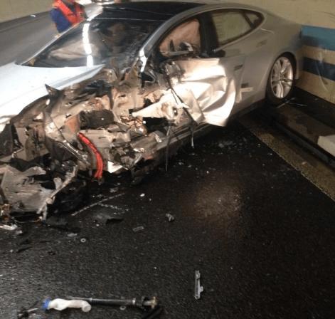 Model S BMW crash switzerland 1