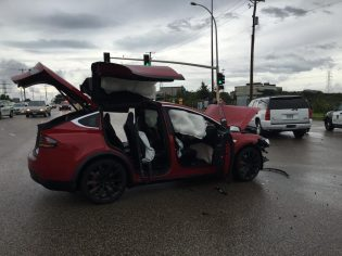 Model X accident MN 4