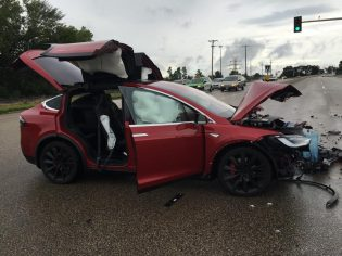 Model X accident MN 5