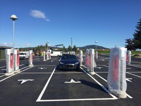 Tesla Supercharger Nebbenes 1