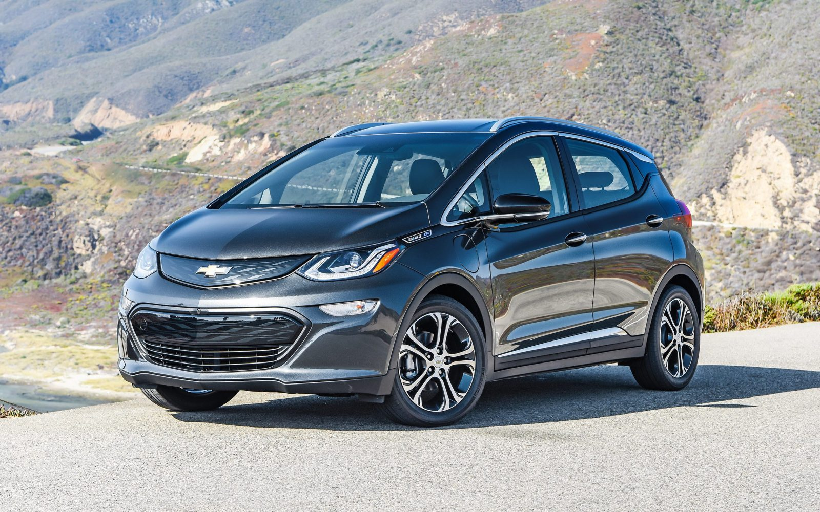 GM launches Chevy Bolt EV's leasing program: $309 a month ...