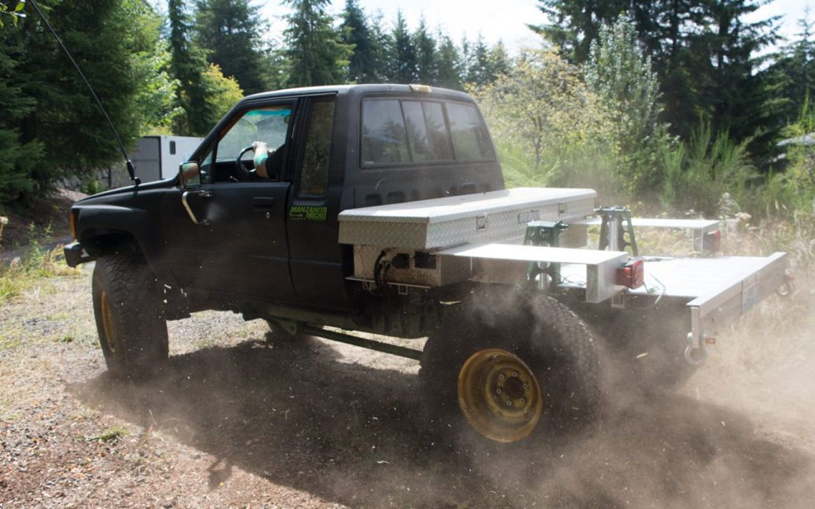 1949 Chevy Truck 4x4 Conversion Ev Electrek Off Roading And Enthusiast Converts 1984 Toyota Pickup Into An All Electric Using Nissan Leaf Batteries