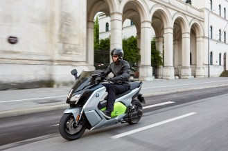 p90229567_highres_the-new-bmw-c-evolut