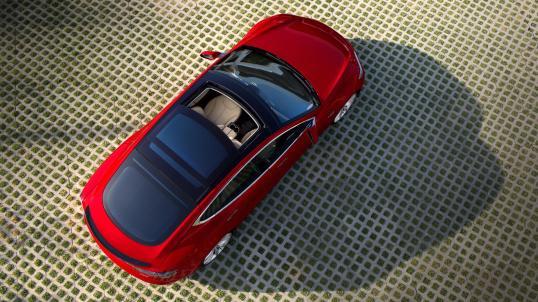 tesla-model-s-panaroma-roof-red