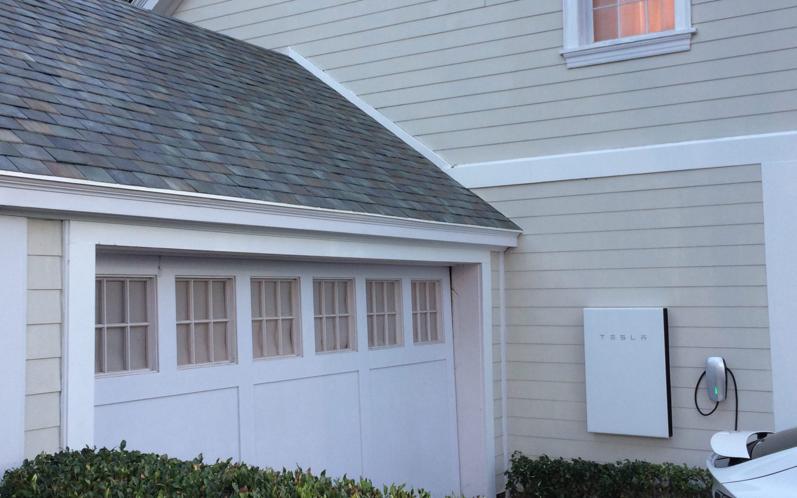 Tesla Powerwall 2 is a game changer in home energy storage: 14 kWh w/ inverter for $5,500