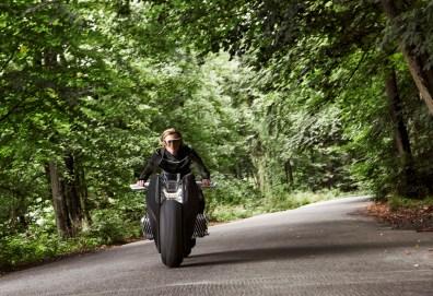 p90238697_highres_bmw-motorrad-vision