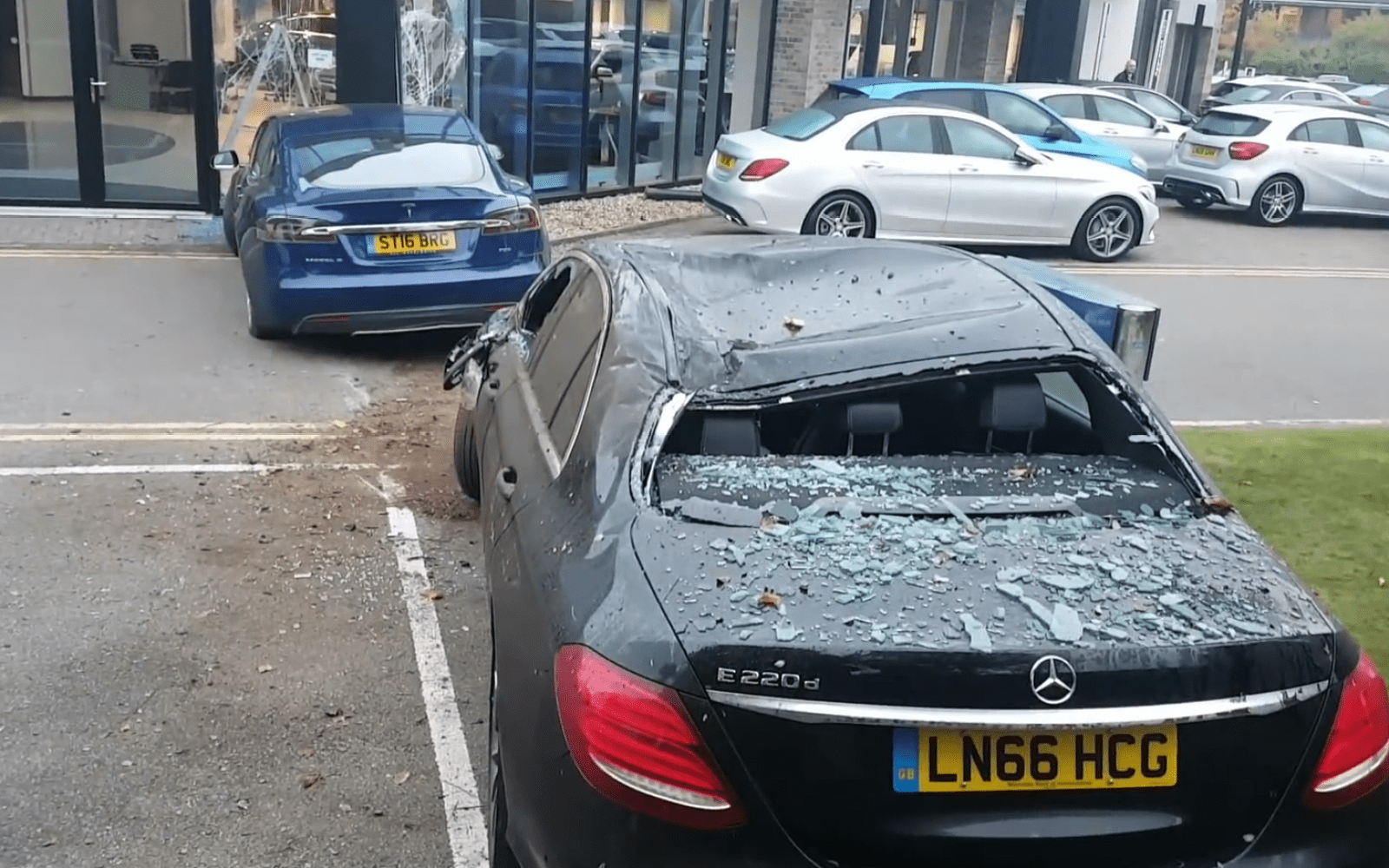Uber Price Quote >> Tesla Model S flies 30-ft through the air to crash into a ...