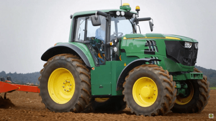 john-deer-electric-tractor-1