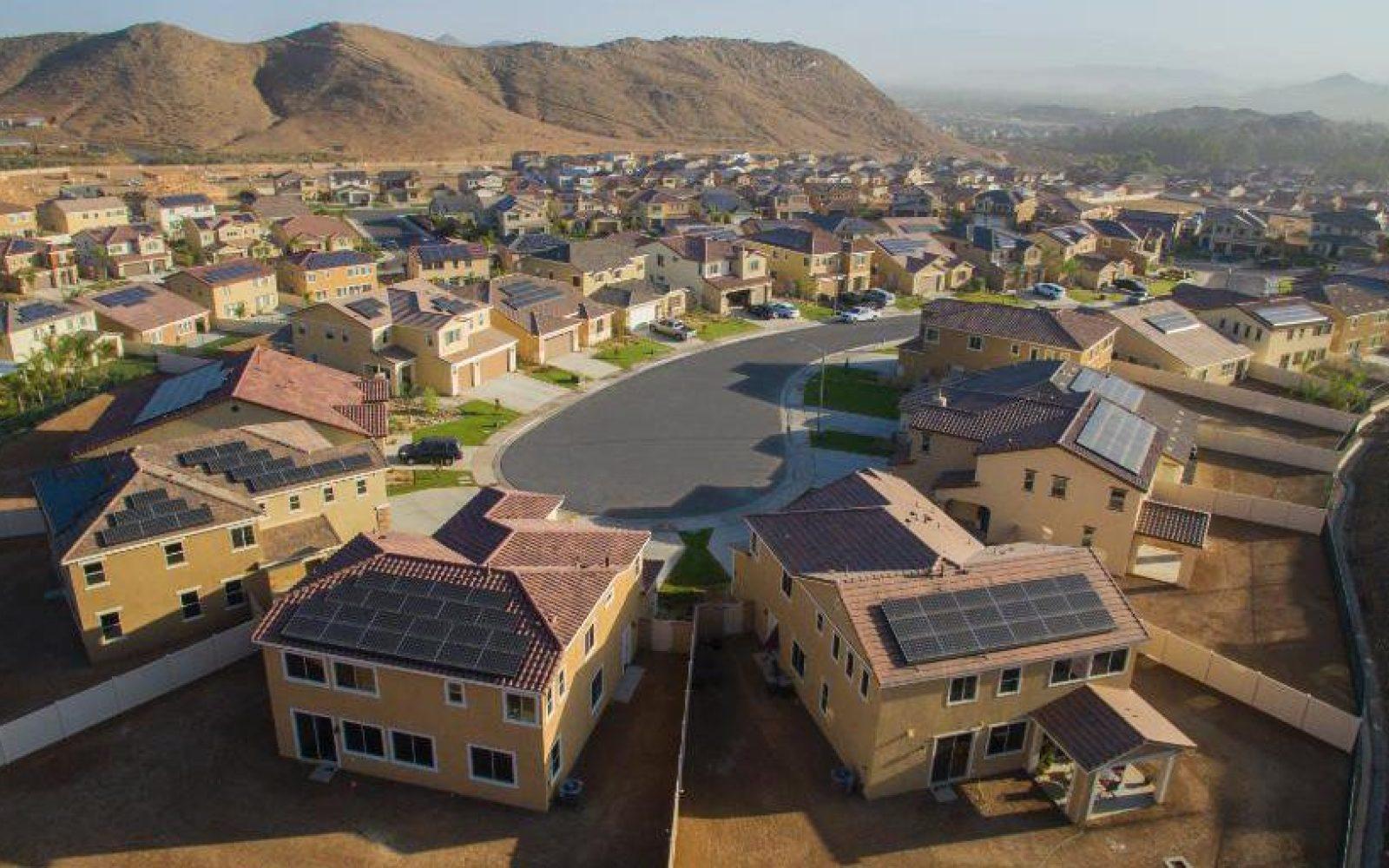 Electrek green energy brief: US solar power doubles, Solar panel manufacturing in California, NE USA energy politics