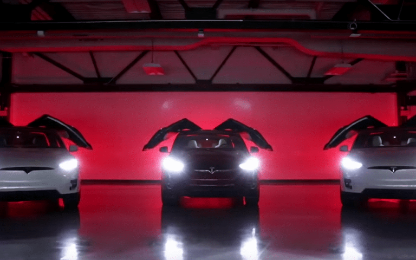 Tesla Hides Xmasthemed Easter Egg In Its Latest Update Model X - Car light show