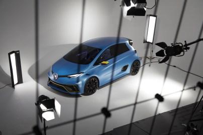 Renault_88373_global_en