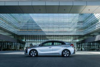 2017 Hyundai Ioniq EV (28)