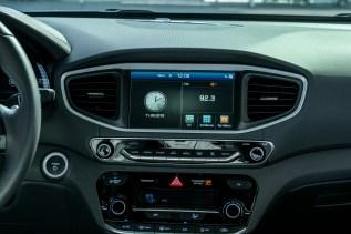 2017 Hyundai Ioniq EV (41)