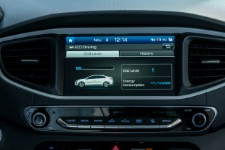 2017 Hyundai Ioniq EV (52)