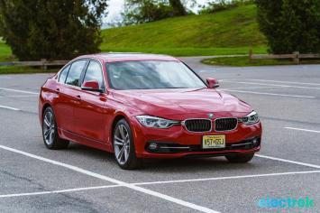 170 Electrek BMW 330e Hybrid 3 series sports sedan review