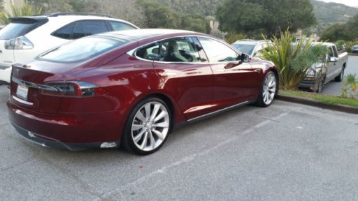 signature-red-tesla-model-s-electrical-vehicle-seats-7-fast-and-safe-1
