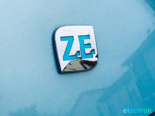 30 Renault Zoe Blue Turquoise Design Logo Electric Vehicle Battery Powered Green Electrek Best Selling EV Europe - 127