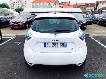 8 Renault Zoe White Trunk Hatchback 5 door Electric Vehicle Battery Powered Green Electrek Best Selling EV Europe - 113