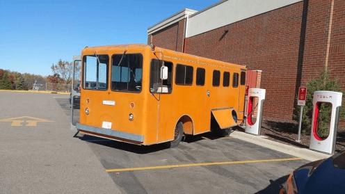 tesla bus supercharger