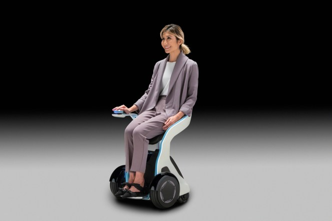 Honda's 3E-B18 has a small turning radius enabling it to navigate in tight spaces.