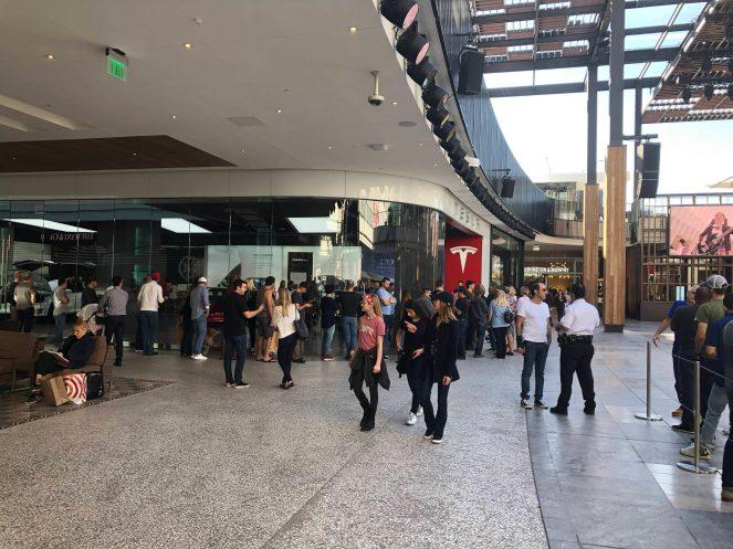 Model 3 crowd