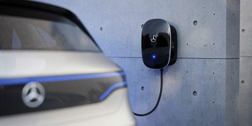Die neue Mercedes-Benz Wallbox, Laden mit bis zu 22 kW The new Mercedes-Benz wallbox allows charging with up to 22 kW