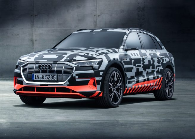 The Audi e-tron prototype offers a preview of the first purely electrically powered model from the brand. The SUV combines a roomy interior with a range capable of covering long distances.