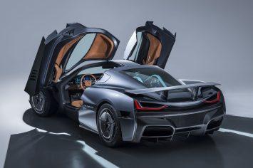 c_two-studio-rear-doors-up