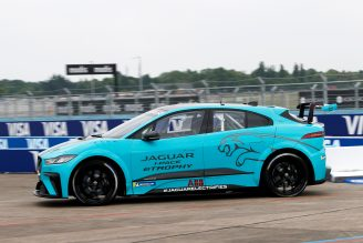 Jaguar_I-PACE_eTROPHY_Global_Debut_6