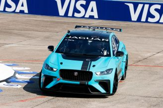 Jaguar_I-PACE_eTROPHY_Global_Debut_7