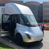 Tesla SEmi JB Hunt 3