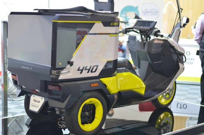 electric cargo scooter