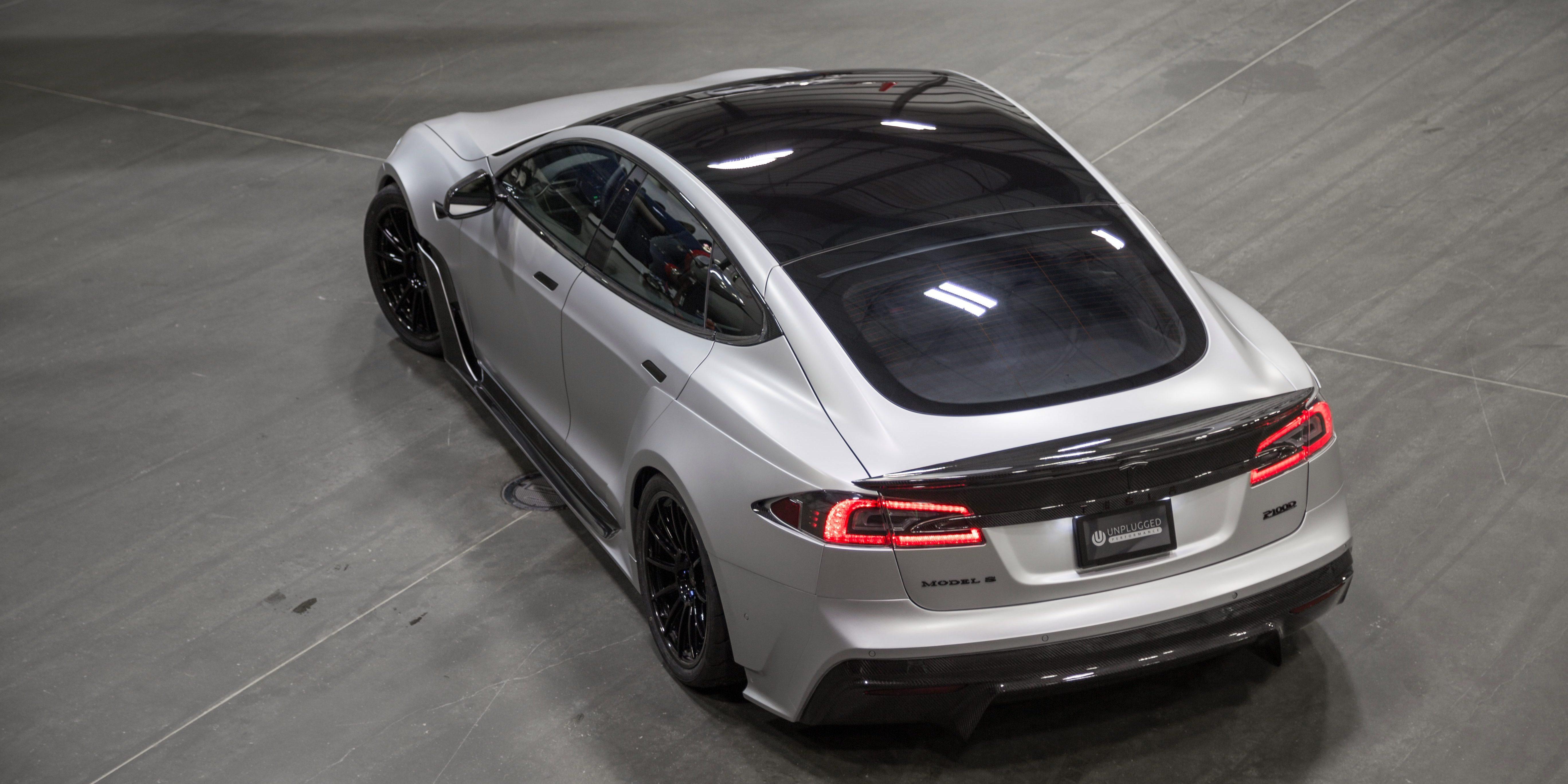 Genial Unplugged Performance S APEX Tesla Model S P100D _02