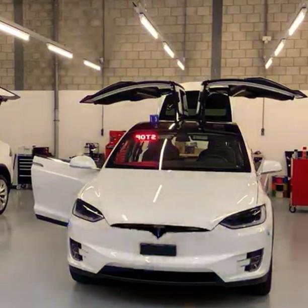 Tesla Model X police vehicle 3