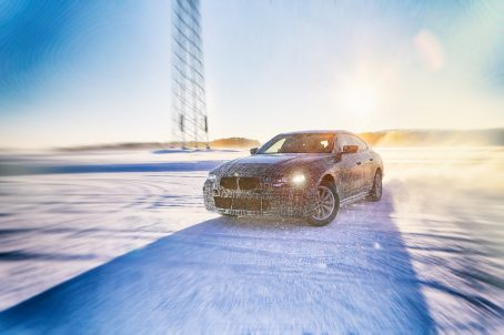 BMW iNEXT, the BMW i4 and BMW iX3 undergo winter trial in 2019.