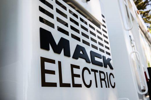 Mack-LR-BEV-4