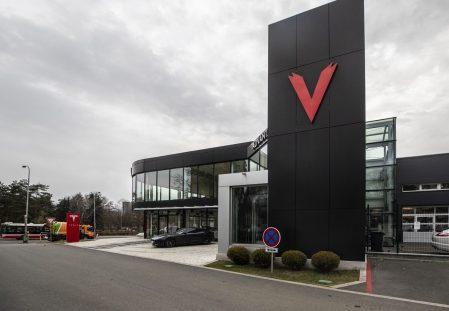 Tesla Service center Prague 2