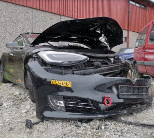 Tesla Model S crash Autopilot 5