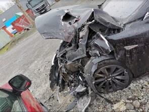 Tesla Model S crash Autopilot 6