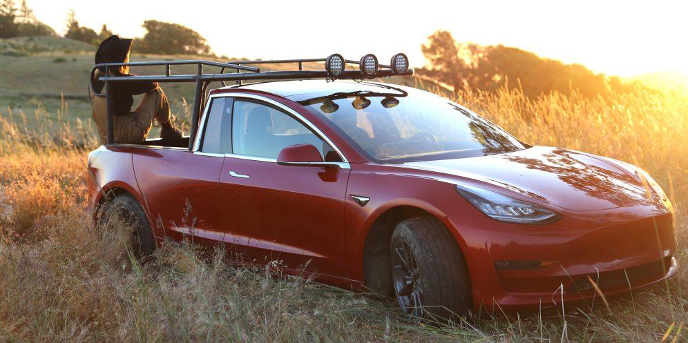 Tesla pickup truckla hero