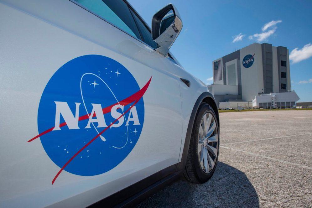 Tesla Model X NASA 4