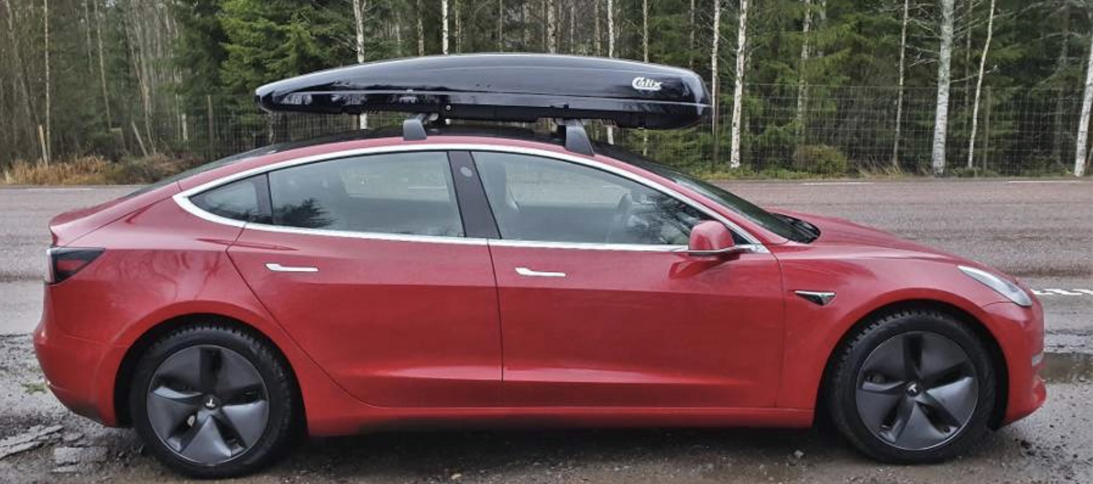 TEsla-Model-3-roof-rack.jpg