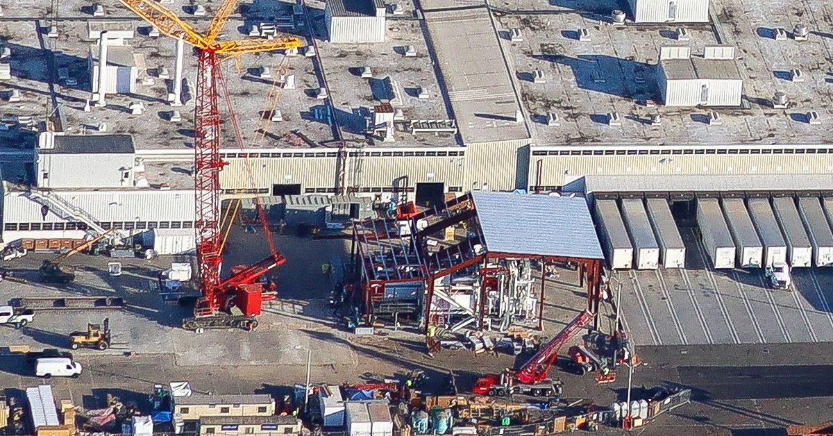 Tesla is installing world's biggest casting machine outside Fremont factory - Electrek