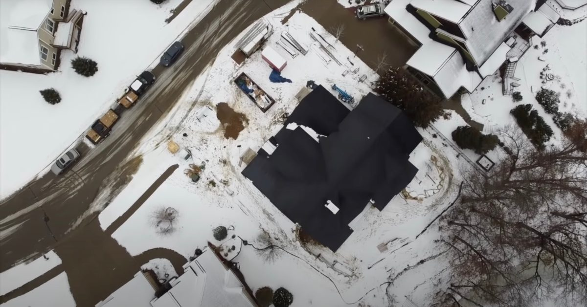 Watch how Tesla Solar Roof automatically makes snow slide right off - Electrek