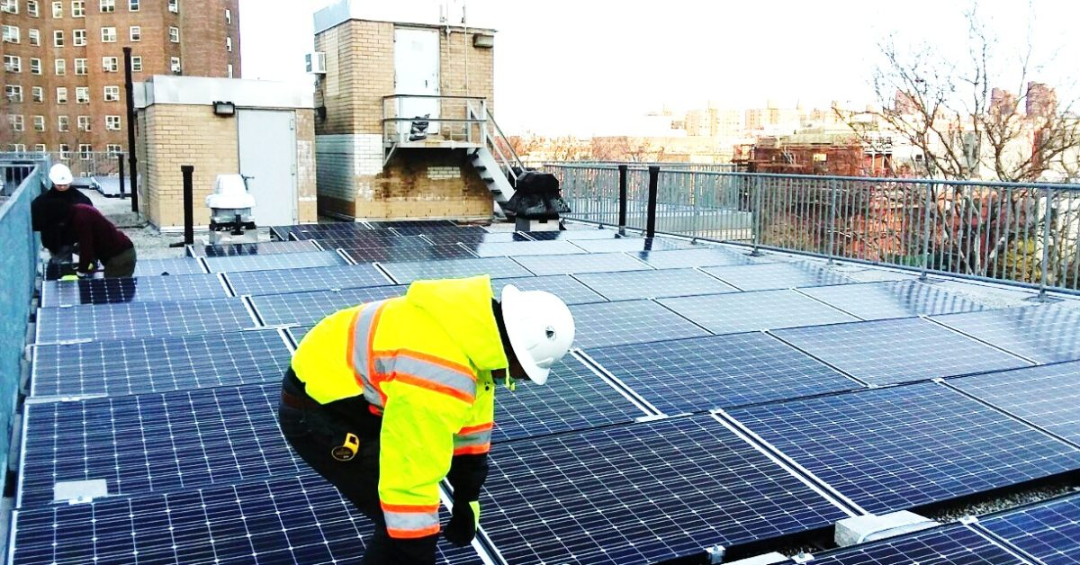 photo of EGEB: Opportunities for solar workers will skyrocket – in numbers image