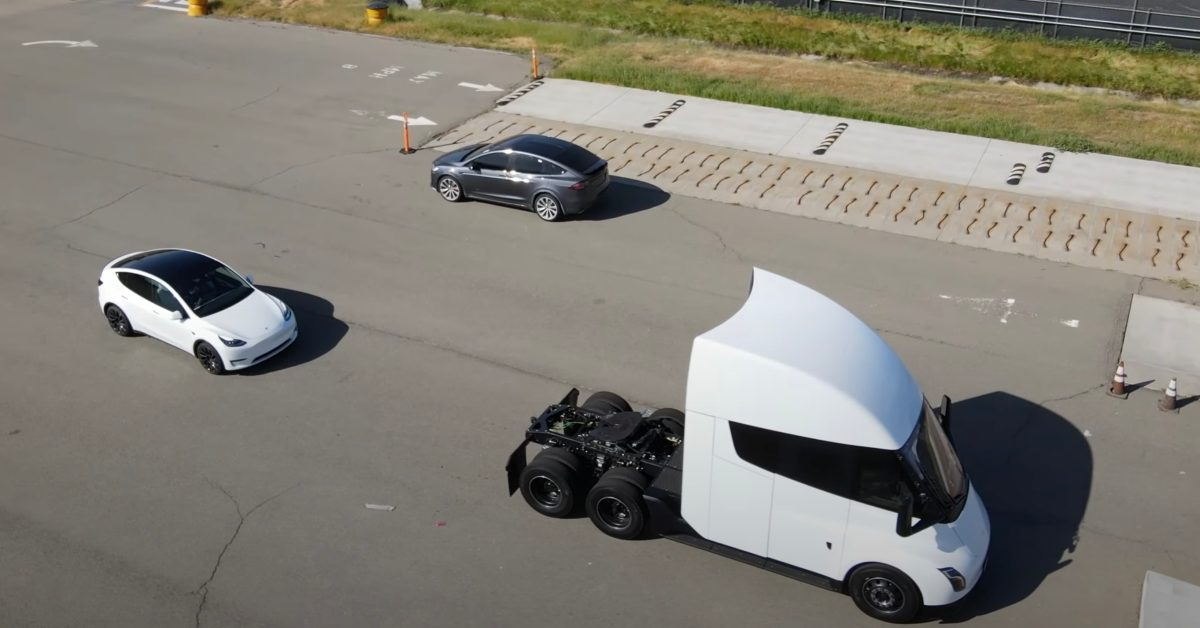 Tesla Semi prototype and new refreshed Model X spotted on test track - Electrek