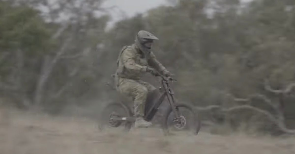 Watch Australian soldiers using these 50 MPH electric bikes on scouting missions [Video]