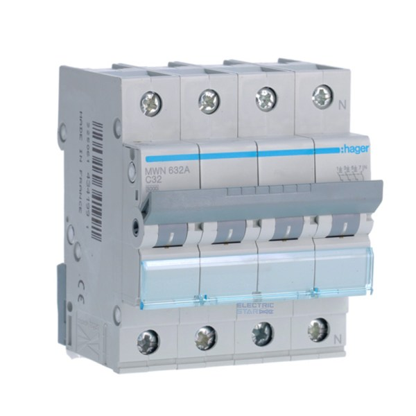 Circuit breaker 32A four poles (3P + N)