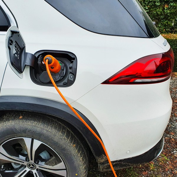 Portable charger for electric vehicles (3.7 kW - Type 2)
