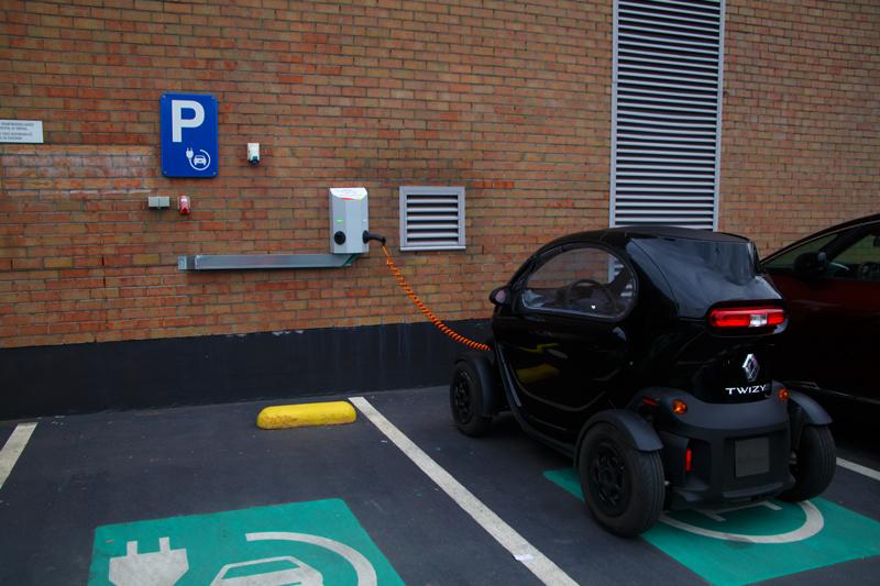 Renault twizy public charging station 1 - Type 2 Mennekes naar Schuko 16A adapter